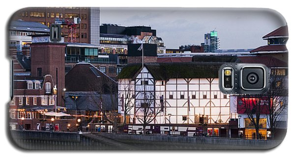 Galaxy S5 Case featuring the photograph Shakespeare's Globe by David Isaacson