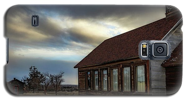 Galaxy S5 Case featuring the photograph Shaniko Schoolhouse by Cat Connor