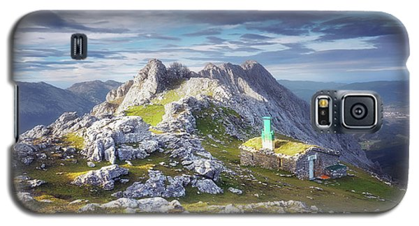 Shelter In The Top Of Urkiola Mountains Galaxy S5 Case