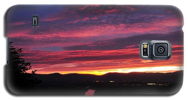 Galaxy S5 Case featuring the photograph Shenandoah Morning Glow by Lara Ellis