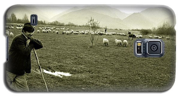Shepherd In The Carpathians Mountains Galaxy S5 Case by Emanuel Tanjala