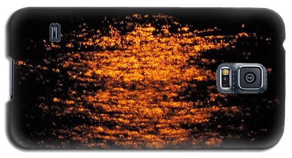 Galaxy S5 Case featuring the photograph Shimmer by Linda Hollis