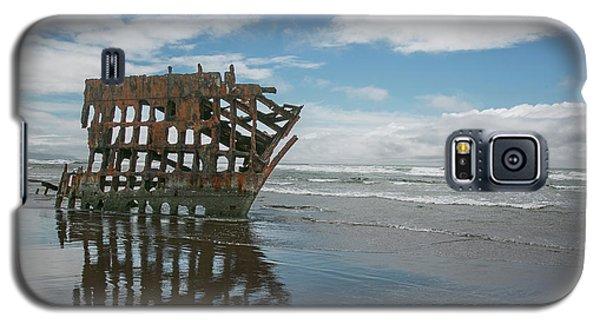 Galaxy S5 Case featuring the photograph Shipwreck by Elvira Butler