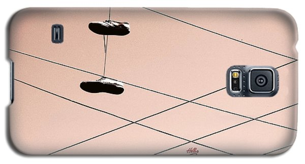 Shoes On A Wire Galaxy S5 Case by Linda Hollis