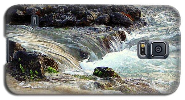 Galaxy S5 Case featuring the photograph Shoreline by Lori Seaman