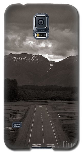 Short Runway Galaxy S5 Case by Darcy Michaelchuk