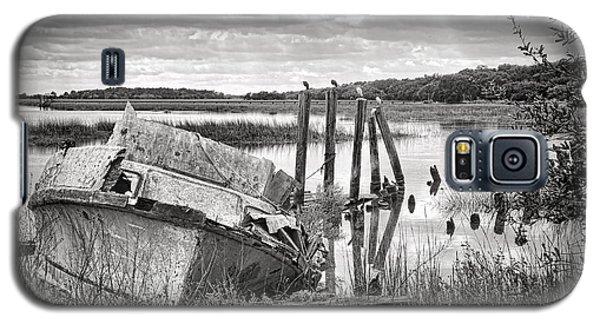 Shrimp Boat Graveyard Galaxy S5 Case by Scott Hansen