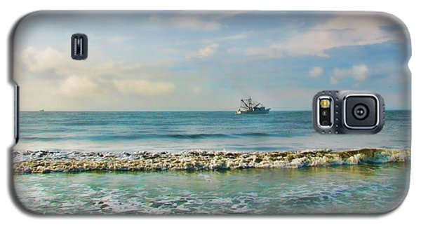 Galaxy S5 Case featuring the photograph Shrimp Boat Off Kiawah by Amy Tyler