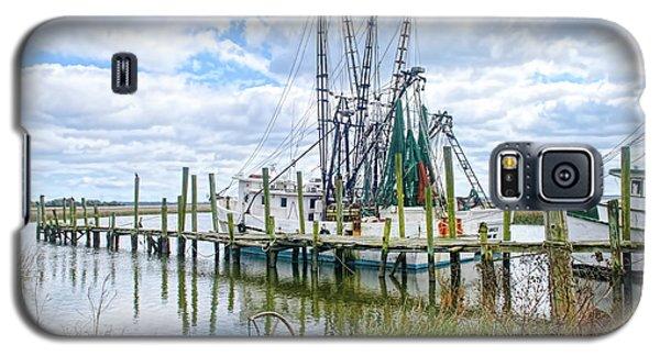 Shrimp Boats Of St. Helena Island Galaxy S5 Case by Scott Hansen