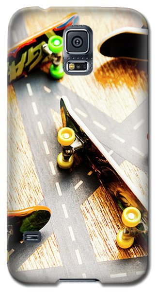 Truck Galaxy S5 Case - Side Streets Of Skate by Jorgo Photography - Wall Art Gallery