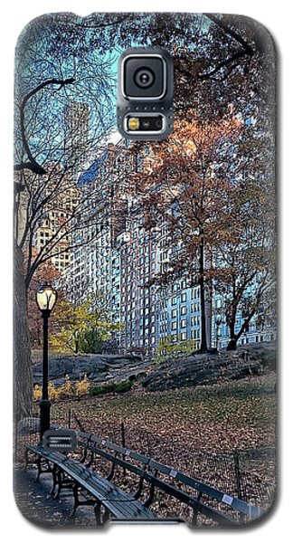 Galaxy S5 Case featuring the photograph Sights In New York City - Central Park by Walt Foegelle
