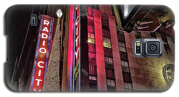 Galaxy S5 Case featuring the photograph Sights In New York City - Radio City by Walt Foegelle