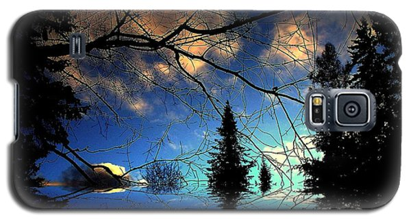 Galaxy S5 Case featuring the photograph Silent Night by Elfriede Fulda