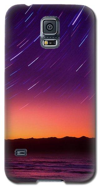 Galaxy S5 Case featuring the photograph Silent Time by Tatsuya Atarashi