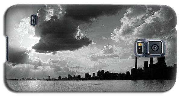 Silhouette Cn Tower Galaxy S5 Case