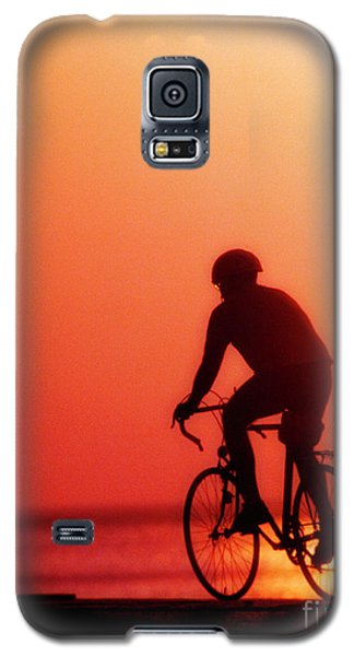 Silhouetted Bike Rider Sunrise Chicago Lake Front  Galaxy S5 Case