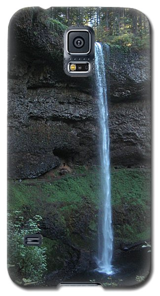 Galaxy S5 Case featuring the photograph Silver Falls by Thomas J Herring