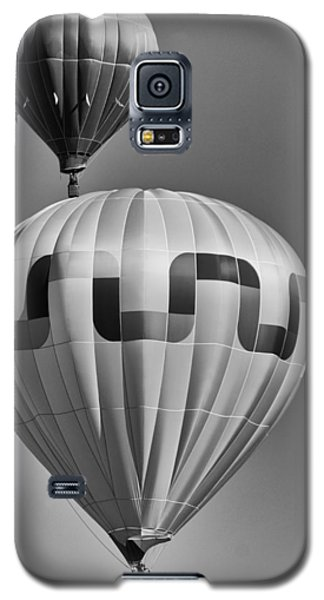 Galaxy S5 Case featuring the photograph Silver Sky Balloons by Kevin Munro