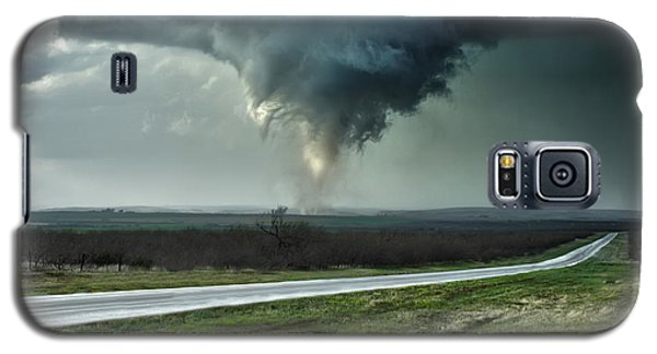 Galaxy S5 Case featuring the photograph Silverton Texas Tornado 2 by James Menzies