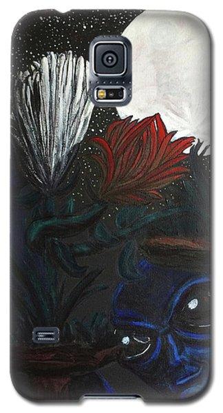 Similar Alien Appreciates Flowers By The Light Of The Full Moon. Galaxy S5 Case by Similar Alien