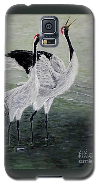 Galaxy S5 Case featuring the painting Singing Cranes by Judy Kirouac