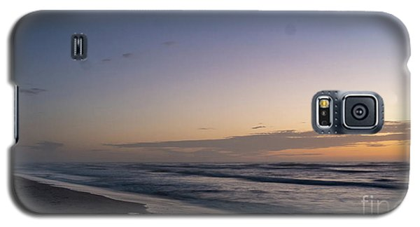 Single Man Walking On Beach With Sunset In The Background Galaxy S5 Case