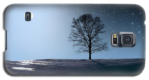 Galaxy S5 Case featuring the photograph Single Tree In Moonlight by Larry Landolfi