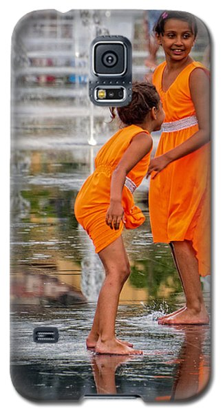 Sisters In The Waterpark Galaxy S5 Case