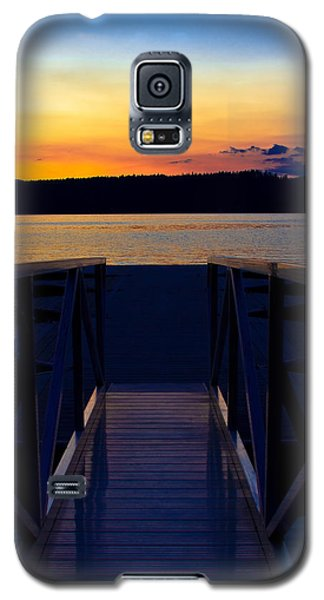 Sitting On The Dock Of A Bay Galaxy S5 Case