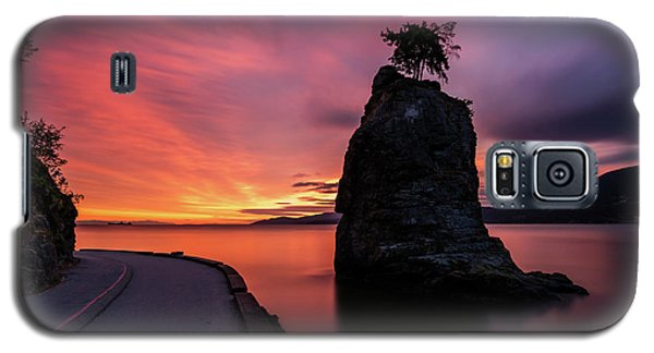 Galaxy S5 Case featuring the photograph Siwash Rock Along The Sea Wall by Pierre Leclerc Photography