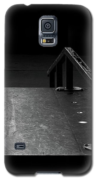 Galaxy S5 Case featuring the photograph Skateboard Ramp II by Richard Rizzo