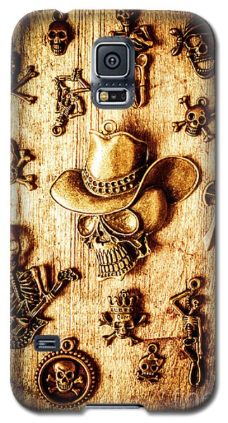 Galaxy S5 Case featuring the photograph Skeleton Pendant Party by Jorgo Photography - Wall Art Gallery