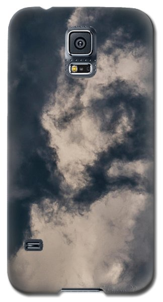 Galaxy S5 Case featuring the photograph Sky Life Look Up by Steven Poulton