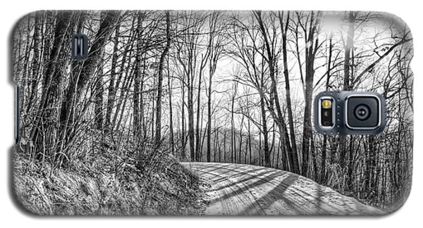 Galaxy S5 Case featuring the photograph Sleep Hallow Road by Dan Traun