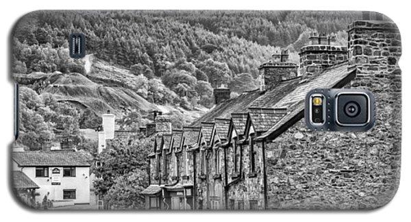 Sleepy Welsh Village Galaxy S5 Case