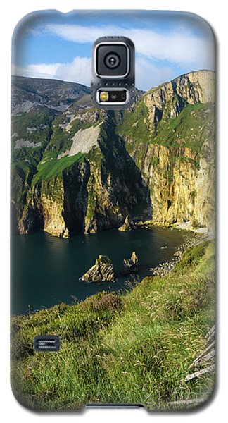 Galaxy S5 Case featuring the photograph Slieve League Cliffs Eastern End by RicardMN Photography