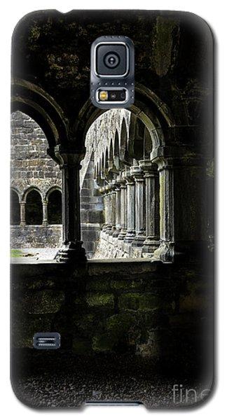 Galaxy S5 Case featuring the photograph Sligo Abbey Interior by RicardMN Photography