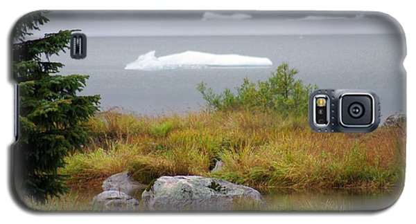 Slowly Floating By Galaxy S5 Case by Marilyn Wilson