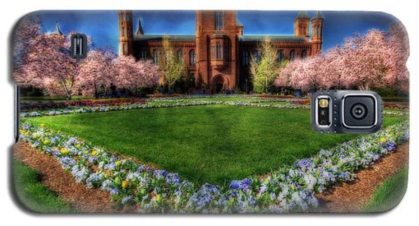 Spring Blooms In The Smithsonian Castle Garden Galaxy S5 Case