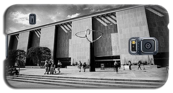 Smithsonian Museum Galaxy S5 Case - smithsonian national museum of american history building Washington DC USA by Joe Fox