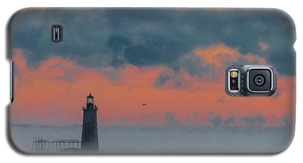 Smokey Sunrise At Ram Island Ledge Light Galaxy S5 Case