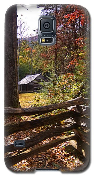 Galaxy S5 Case featuring the photograph Smoky Mountain Log Cabin by Bob Decker