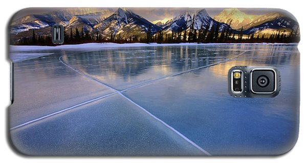 Galaxy S5 Case featuring the photograph Smooth Ice by Dan Jurak