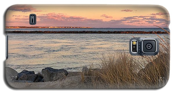 Galaxy S5 Case featuring the photograph Smugglers Beach Sunset II by Michelle Wiarda