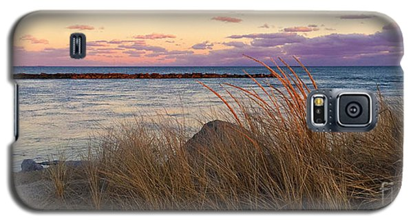 Galaxy S5 Case featuring the photograph Smugglers Beach Sunset by Michelle Wiarda