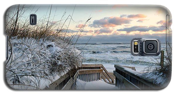 Snow Day At The Beach Galaxy S5 Case