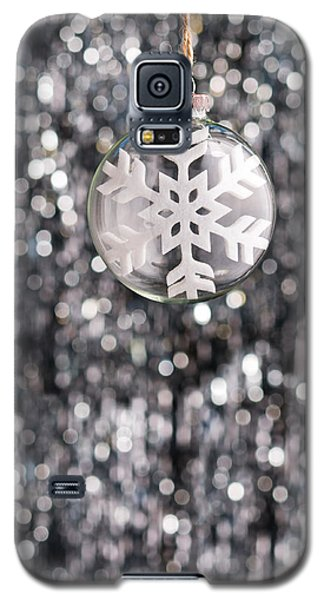 Galaxy S5 Case featuring the photograph Snow Flake by Ulrich Schade