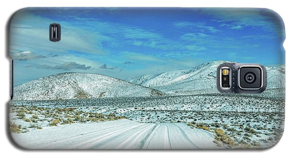 Galaxy S5 Case featuring the photograph Snow In Death Valley by Peter Tellone