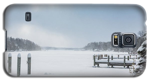 Snow On The Lake Galaxy S5 Case