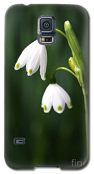 Snowdrops Painted Finger Nails Galaxy S5 Case